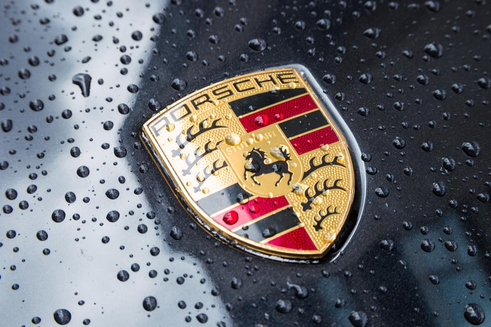 брэдди показала логотип машин щит порше картинки полагают, что гиря